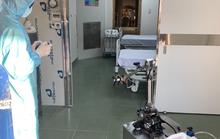 Từ ngày mai, TP HCM sử dụng robot để khử khuẩn phòng cách ly ngừa Covid-19
