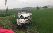 2 xe tải đấu đầu, 2 tài xế cùng trọng thương