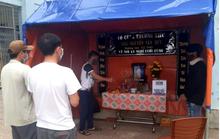 Nam thanh niên lập bàn thờ trong khu cách ly khi nghe tin bố qua đời