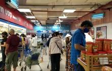 Chợ, siêu thị ở TP HCM đông vui trong 2 ngày nghỉ lễ nhờ giảm giá