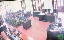 Xét xử vụ gian lận điểm thi tại tỉnh Hòa Bình: Trực tiếp nâng điểm nhưng không bị truy tố