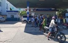 Bắt tại trận gã đàn ông vào trạm xăng dầu để cướp