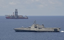 Hải quân Mỹ triển khai tàu chiến lớp Independence tuần tra sát giàn khoan West Capella