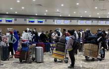 Chuyến bay đưa gần 200 người Việt từ Philippines về hạ cánh tại Cần Thơ