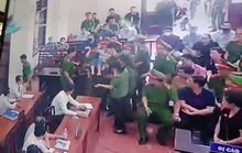 Nữ giáo viên nói câu biết chấm thi phải đi tù thì đã bỏ nghề ngất tại tòa