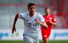 Lewandowski chạm mốc 40 bàn thắng, Bayern Munich dẫn đầu Bundesliga