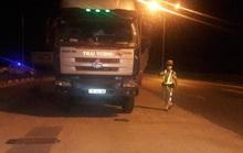 Quảng Nam: Tài xế xe quá tải thi gan với CSGT