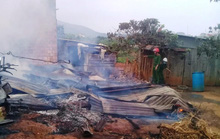 Lâm Đồng: Bà hỏa thiêu rụi 3 nhà dân.