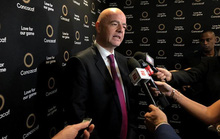 Chủ tịch FIFA bị điều tra tham nhũng, Tổng chưởng lý Thụy Sĩ mất chức