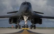 """Mỹ đưa """"quái vật ném bom"""" tới gần Trung Quốc"""
