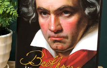 Beethoven qua ngòi bút của Lewis Lockwood