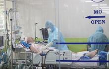 CLIP: Xem bác sĩ Bệnh viện Chợ Rẫy cứu chữa phi công người Anh mắc Covid-19 nặng