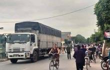 Va chạm xe tải, học sinh lớp 3 tử vong trên đường tới trường