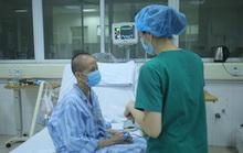 Bệnh nhân 19 giống như đứng trên cầu thăng bằng, nghiêng chút là nguy tính mạng