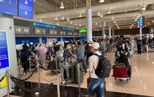 Chưa đủ giấy phép cho chuyến bay đưa người Việt từ Mỹ về nước