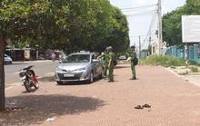 Tài xế taxi đâm chết đồng nghiệp nghi do giành khách