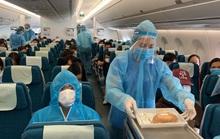 240 công dân Việt Nam từ Pháp về sân bay Vân Đồn