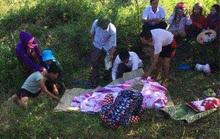 Mẹ ôm 3 con nhảy xuống suối tự tử