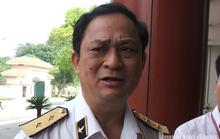 Nguyên thứ trưởng Bộ Quốc phòng Nguyễn Văn Hiến cùng Út Trọc sắp hầu toà