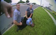 Lộ video cảnh sát Mỹ trả lời sốc trước lời van xin tha mạng