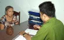 Cụ bà 70 tuổi buôn lậu thuốc lá từ Sóc Trăng về Cà Mau bị bắt giữ