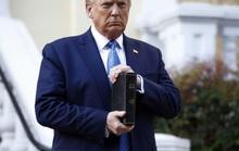 Tổng thống Trump nổi giận với thông tin tránh xuống hầm ngầm
