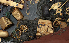 Tìm thấy ấn triện bằng vàng nguyên chất vô cùng quý hiếm, nặng gần 8kg