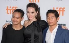 Angelina Jolie tiết lộ lý do nhận nuôi Pax Thiên