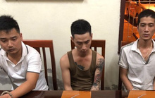 Anh em ruột mang 2 khẩu súng đi taxi từ Bắc Ninh vào Nghệ An giao cho khách