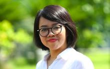 Nhà báo Huỳnh Mai Liên ra mắt phiên bản đặc biệt tập thơ Biển là trẻ con