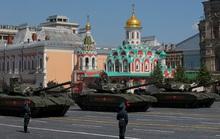 Soi vũ khí xịn của Nga tại lễ diễu binh