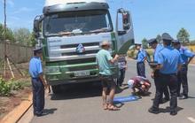 Đang làm việc, Thanh tra giao thông bị nhóm người đến gây sự