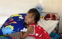 Bé gái bị cha hành hạ dã man chuẩn bị xuất viện nhưng chưa biết sống với ai