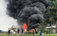 Vụ cháy gần 1.000 m2 kho hóa chất: Hóa chất bị cháy bốc khói đen kịt là gì?