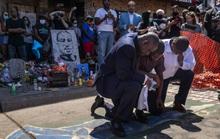 Thông tin bất ngờ về người da màu bị cảnh sát ghì cổ đến chết
