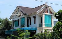 Cho 59 hộ thoát nghèo ở xã có 712 hộ cận nghèo