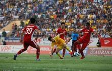 Truyền thông châu Âu ngỡ ngàng với sự trở lại của bóng đá Việt