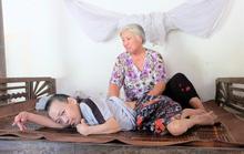"""Người bị liệt tứ chi được xã cho """"thoát nghèo"""": Làm vậy nhẫn tâm lắm!"""