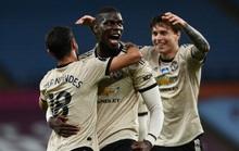 Trọng tài tặng phạt đền, Man United lập kỷ lục Ngoại hạng Anh