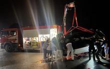 Xe ôtô lao xuống vịnh Hạ Long, 3 người tử vong