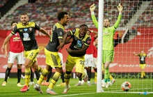 Mất điểm phút 90+6, Man United vỡ mộng ở thánh địa Old Trafford