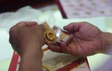Vàng và chứng khoán cùng tăng giá, vì sao?