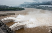 Nỗi lo nối dài bởi nước lũ trên sông Dương Tử, đập Tam Hiệp mở 3 cửa xả