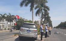Xe biển xanh của Ủy ban Kiểm tra Tỉnh ủy va chạm xe máy điện, cô gái trẻ bị thương