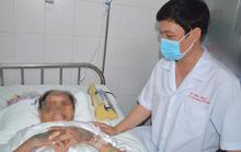 Sau 1 giờ, các bác sĩ giúp cụ bà 94 tuổi té gãy xương đùi được bình phục