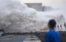 Trung Quốc và Nam Á hứng chịu mưa lũ khủng khiếp