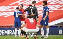 Hàng thủ gây họa, Man United thua thảm ở FA Cup