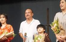 Đưa con trai 5 tuổi lên sân khấu, Hoàng Sơn dốc sức với Bến đục, bến trong