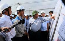 Thủ tướng Nguyễn Xuân Phúc: Ai không làm thì đứng sang một bên!