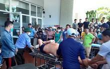 Hai bệnh nhân nặng trong vụ lật xe ở Quảng Bình được chuyển vào Bệnh viện Trung ương Huế